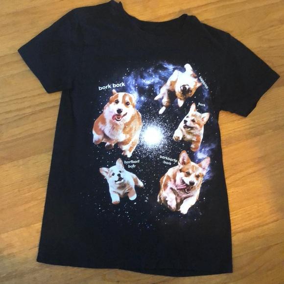 85276d133506a Hot Topic Tops - Corgi Hot Topic T-shirt